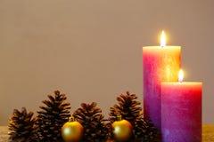 Dos velas rústicas Fotografía de archivo libre de regalías
