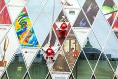 Dos vestidos del escalador como Santa Claus Fotos de archivo libres de regalías