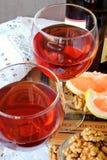 Dos vidrios con el vino Imagenes de archivo