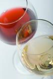 Dos vidrios con el vino fotografía de archivo