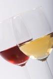 Dos vidrios con el vino fotografía de archivo libre de regalías