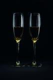 Dos vidrios con el vino blanco Imagen de archivo