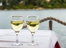 Dos vidrios con las bebidas Foto de archivo libre de regalías