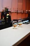 Dos vidrios de brandy imágenes de archivo libres de regalías