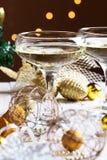 Dos vidrios de champán con el fondo del árbol de navidad Christma Fotografía de archivo
