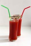 Dos vidrios de jugo de tomate Foto de archivo