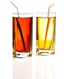 Dos vidrios de limonada fresca aislados en el fondo blanco Fotografía de archivo