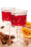 Dos vidrios de vino reflexionado sobre Foto de archivo libre de regalías
