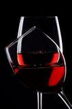 Dos vidrios de vino rojo Imagen de archivo libre de regalías