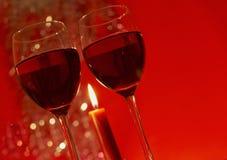 Dos vidrios de vino rojo Fotografía de archivo