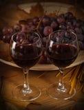 Dos vidrios de vino rojo Imagenes de archivo