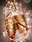 Dos vidrios festivos de champán burbujeante Foto de archivo
