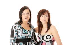 Dos womans jovenes sorprendidos Imagen de archivo