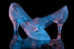 Dos zapatos cristalinos imagen de archivo
