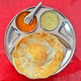 Dosa mit Chutneys Stockfotos