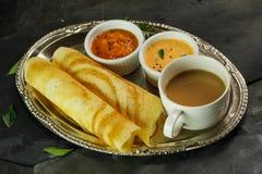 Dosa mit Sambar und Chutney, Frühstück Stockfoto