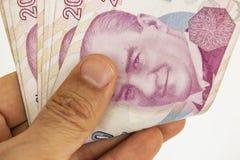 Doscientos billetes de banco de lira turca en la circulación imágenes de archivo libres de regalías