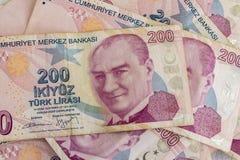 Doscientos billetes de banco de lira turca en la circulación fotografía de archivo