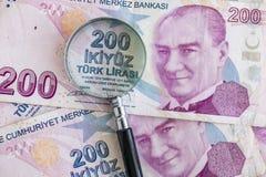 Doscientos billetes de banco de lira turca en la circulación fotografía de archivo libre de regalías