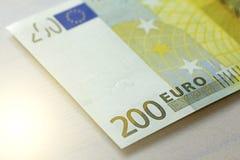 Doscientos euros Euro 200 con una nota Euro 200 Imágenes de archivo libres de regalías