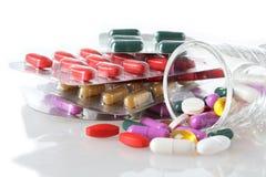 Dosierung von Medizin Stockfotos