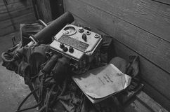 Dosimeter in einem verlassenen Luftschutzbunker Lizenzfreie Stockfotos