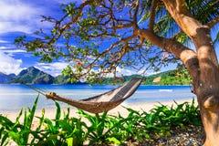 Doskonalić tropikalnych wakacje - relaksujący w raj wyspach philip obraz stock
