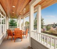 Doskonalić zakrywającego balkon z widokiem Obrazy Stock