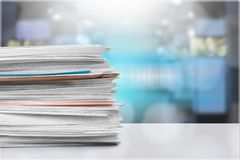 Dossiers avec des documents dessus Image libre de droits