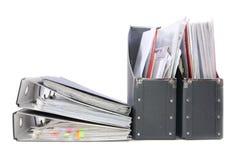 Dossiers in de bureauomslagen Stock Afbeeldingen