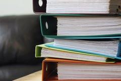 Dossiers de comptabilité de comptes sur la table Photographie stock libre de droits