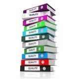 Dossiers multicolores de bureau avec la qualité de label Image stock