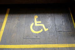 dostępny szyldowy wózek inwalidzki obraz royalty free