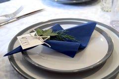 dostępnych tła krzyża cutlery projekta karmowych rozwidlenia gingham nożowych menu miejsca talerza czerwonych restauracyjnych poł Obrazy Stock