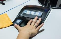Dostaje biometrycznych dane i odcisk palca Dostęp odcisk palca tylko zdjęcie royalty free