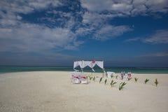 Dostawać poślubiający w Maldives zdjęcia royalty free