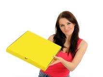 dosyć dziewczyny pudełkowata przypadkowa doręczeniowa pizza Fotografia Royalty Free