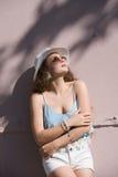 Dosyć nastoletnia odzież spaghetti patka, skróty i Havana kapelusz, obraz royalty free