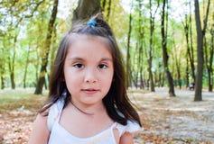 Dosyć poważny łaciński dzieciak Zdjęcia Royalty Free