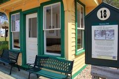 Dosyć trochę wznawiający pociągu lub tramwaju czekania stacyjny teren, Seashore tramwaju muzeum, Kennebunkport, Maine, 2016 Obraz Stock
