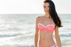 dot bikini polka różowego Zdjęcie Stock