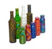 Dot Painting bottiglia dipinta con le pitture decorazione molto piacevole isolato Fotografia Stock