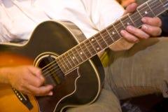 dotyka gitarę Obrazy Stock