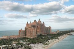 DOUBAI, DE V.A.E - 10 DECEMBER, 2016: Majestueus van het Atlantis-Hotel Stock Foto