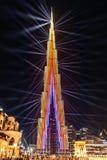Doubai, de V.A.E - 01/01/2019 - de Multi-Colored Laser toont en steekt de Werken, Burj Khalifa World Biggest Skyscraper Lit in Ce stock fotografie