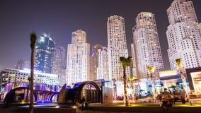 DOUBAI, DE V.A.E - 22 SEPTEMBER, 2014: Gebouwen de van de binnenstad en beroemde van Doubai van de Timelapsemening stock videobeelden