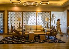 doubai In de zomer van 2016 Modern en helder binnenland in de Grote het Strandtoevlucht van hotelhabtoor Stock Fotografie