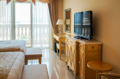 doubai In de zomer van 2016 Modern en helder binnenland in het hotel Kempinski de Palm, Jumeirah Stock Fotografie