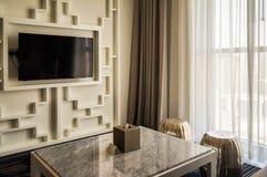 doubai In de zomer van 2016 Modern en helder binnenland in het hotel Wyndham Dubai Marina Stock Afbeeldingen