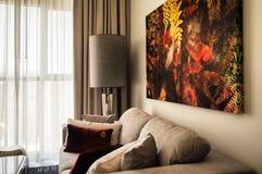doubai In de zomer van 2016 Modern en helder binnenland in het hotel Wyndham Dubai Marina Royalty-vrije Stock Foto's